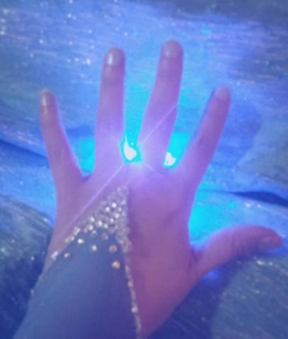 glowing elsa dress 4