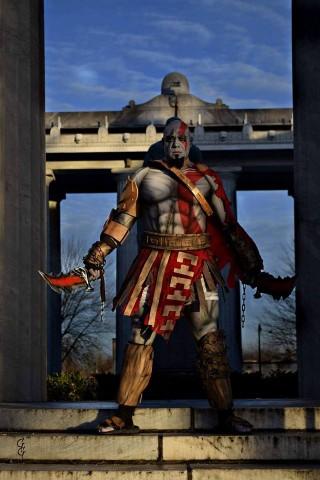 Kratos cosplay 2