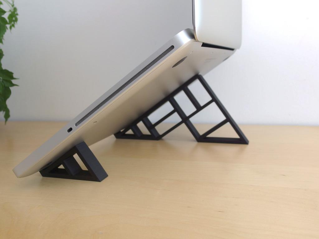 geometric-stand