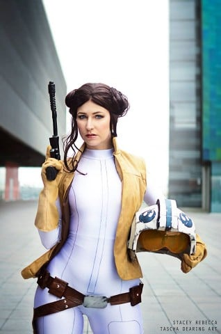 Leia cosplay 1
