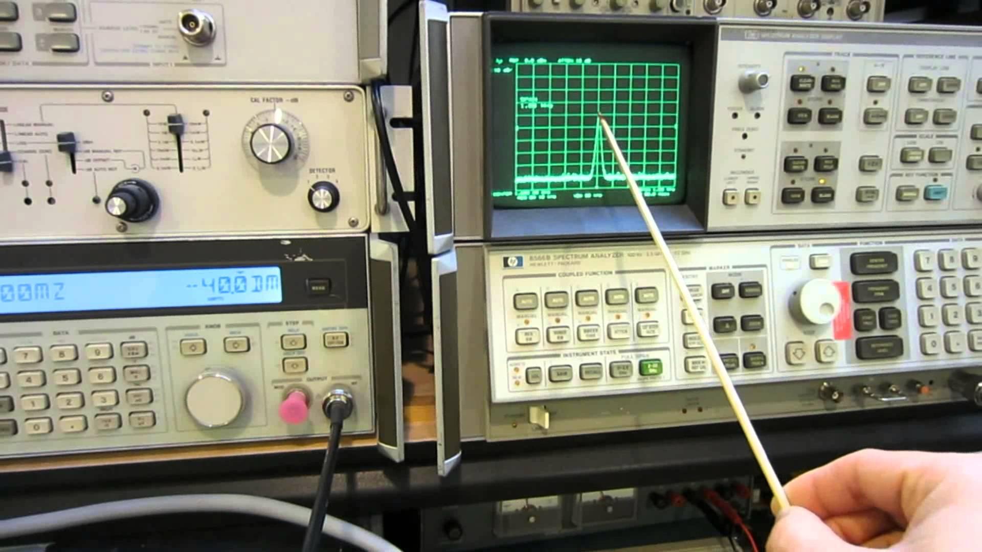 Demodulate AM/FM Signals with the HP 8566B Spectrum Analyzer
