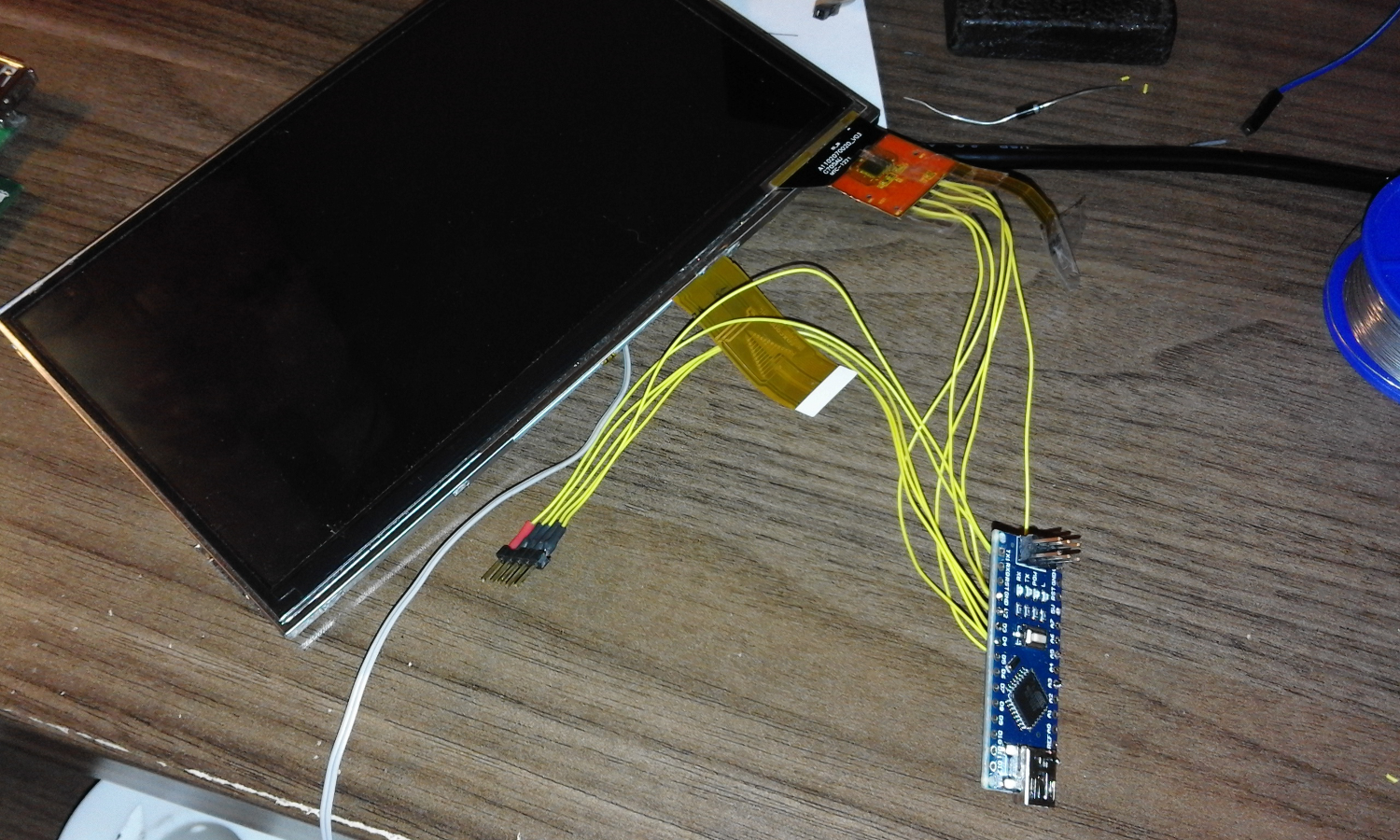 Control an oscilloscope with tablet touchscreen and