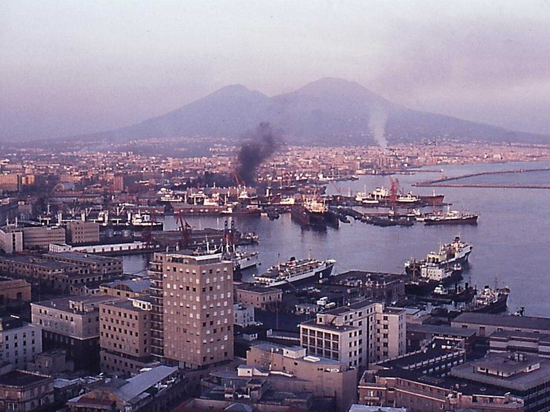 Naples overlooking the harbor molo beverello the city and the mount vesuvius 1973 png 800x600 q85 crop