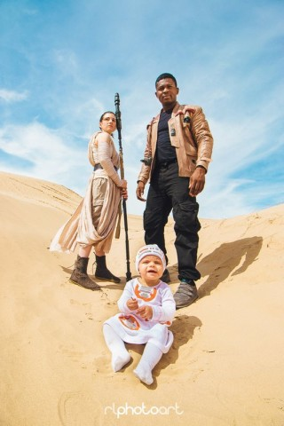 Force Awakens family cosplay 2