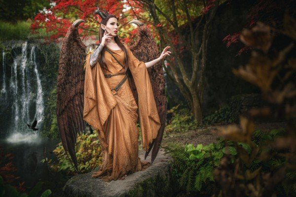 maleficent_with_wings___cosplay_by_emilyrosa-d9w57x8