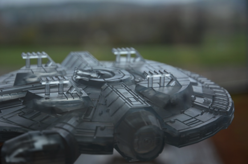 Millennium Falcon fixed for stereolithography by GuntherS Thingiverse