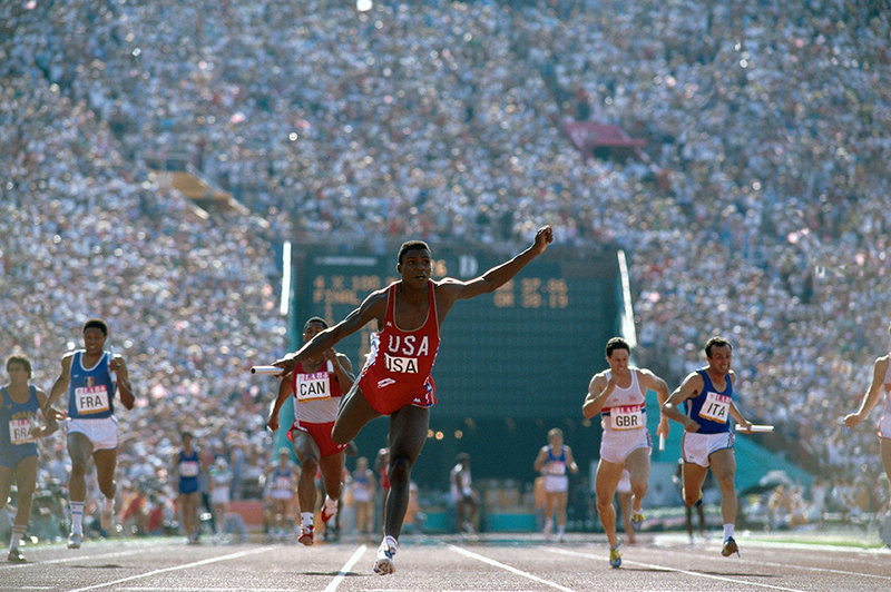 Carl lewis winning relay 19841 custom 01a2d4a0e4db2c0c077bb163f4e462884e82a46a s800 c85