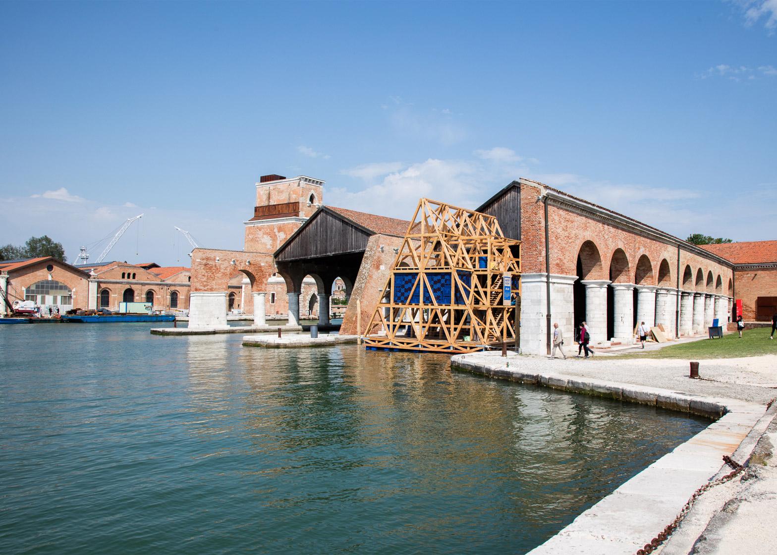 Floating school kunle adeyemi venice architecture biennale 2016 luke hayes dezeen 1568 3