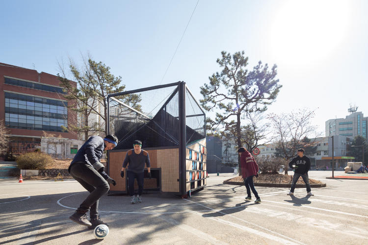 3060657-slide-3-this-transformable-playground-is-designed
