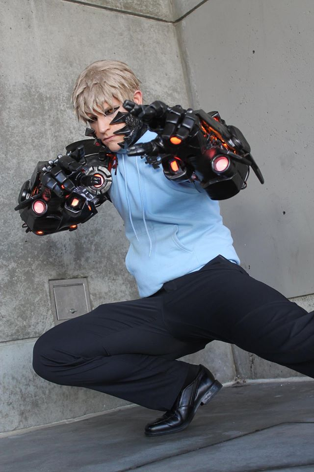 genos cosplay 1