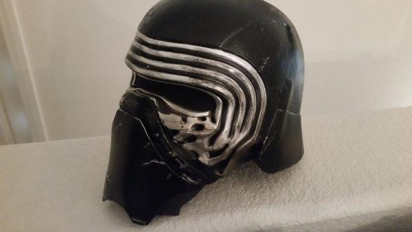 kylo-ren-helmet-1
