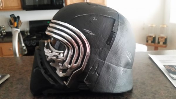 kylo-ren-helmet-2