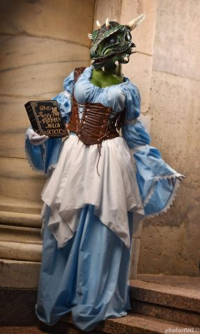 argonian-maid-cosplay-1
