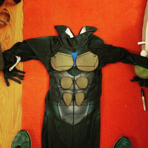 armored-nightwing-costume-3