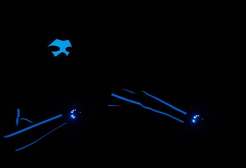 John Park\'s Electroluminescent Wearables @adafruit @johnedgarpark ...
