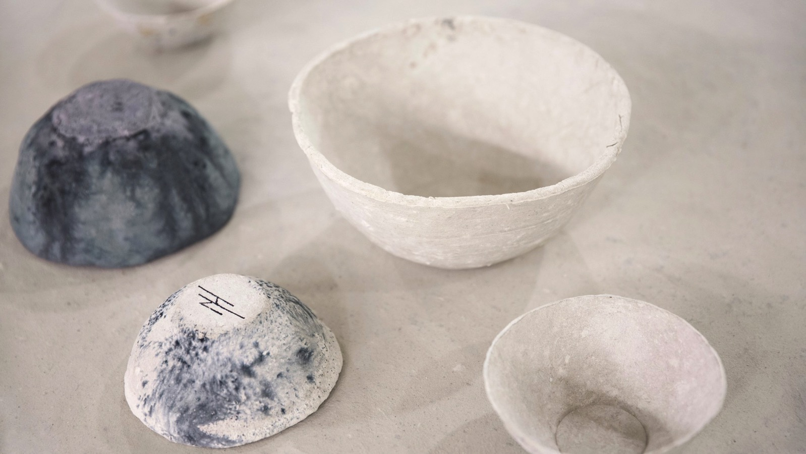 Sea me recycled toilet paper homeware corckery design studio nienke hoogvliet netherlands dezeen hero