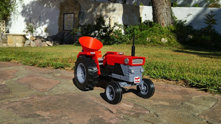 3D Printed OpenRC Tractor fertilizer by makit Pinshape