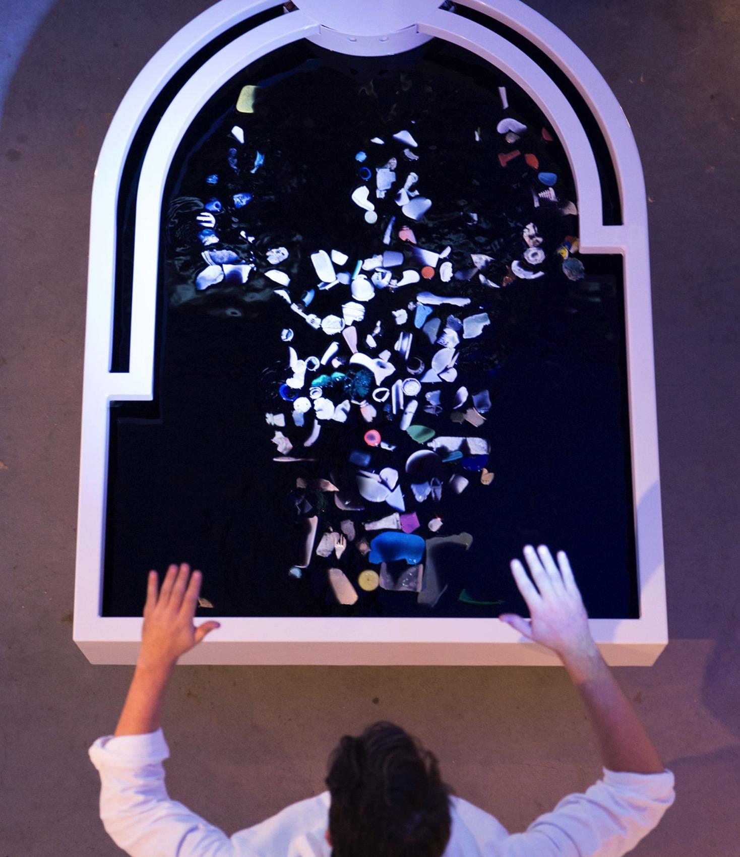 Plastic reflectic interactiveinstallation thijsbiersteker 6