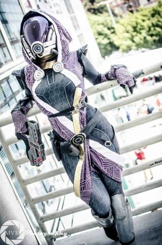 mass-effect-cosplay-1