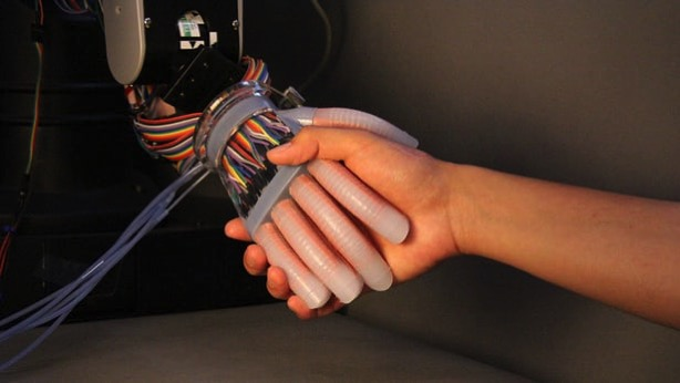 Flexible robot hand 10
