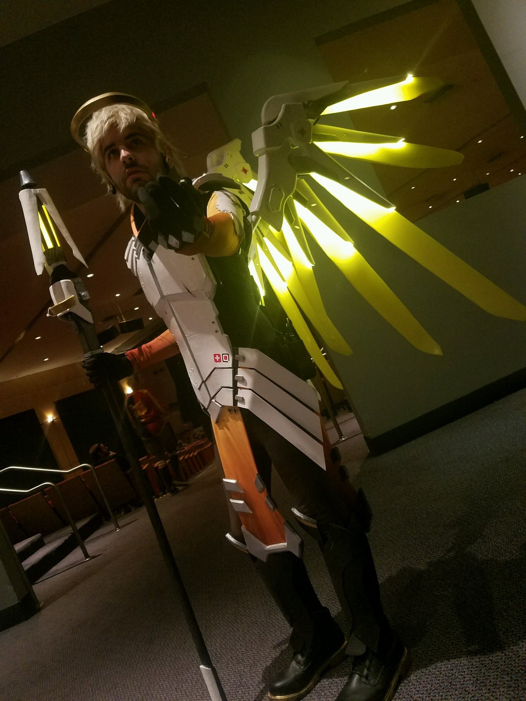 Genderbent Overwatch Mercy Cosplay with Glowing Wings ...