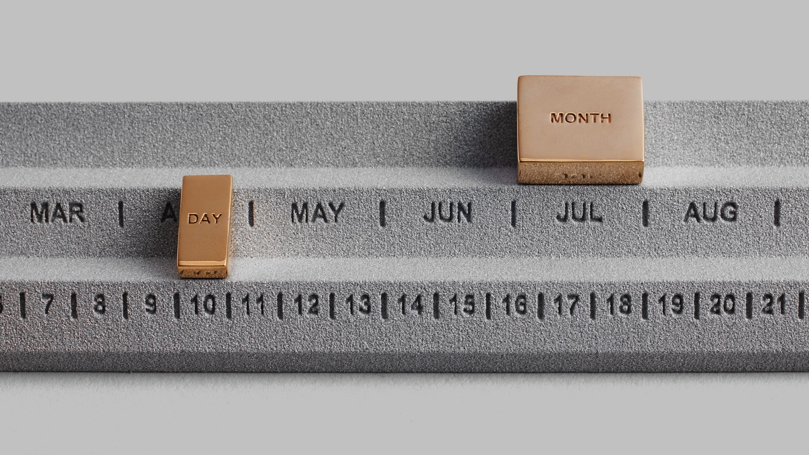 Perpetuum calendar studio yonoh design products dezeen 2364 hero