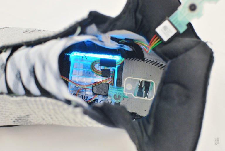 Self-Lacing Nike HyperAdapt Teardown