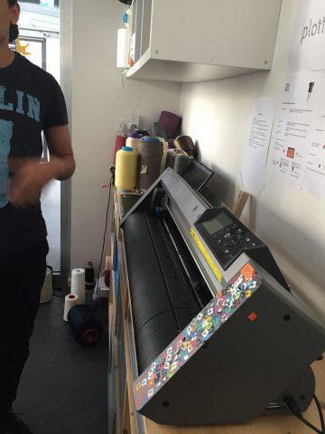 Vinyl cutter and plotter