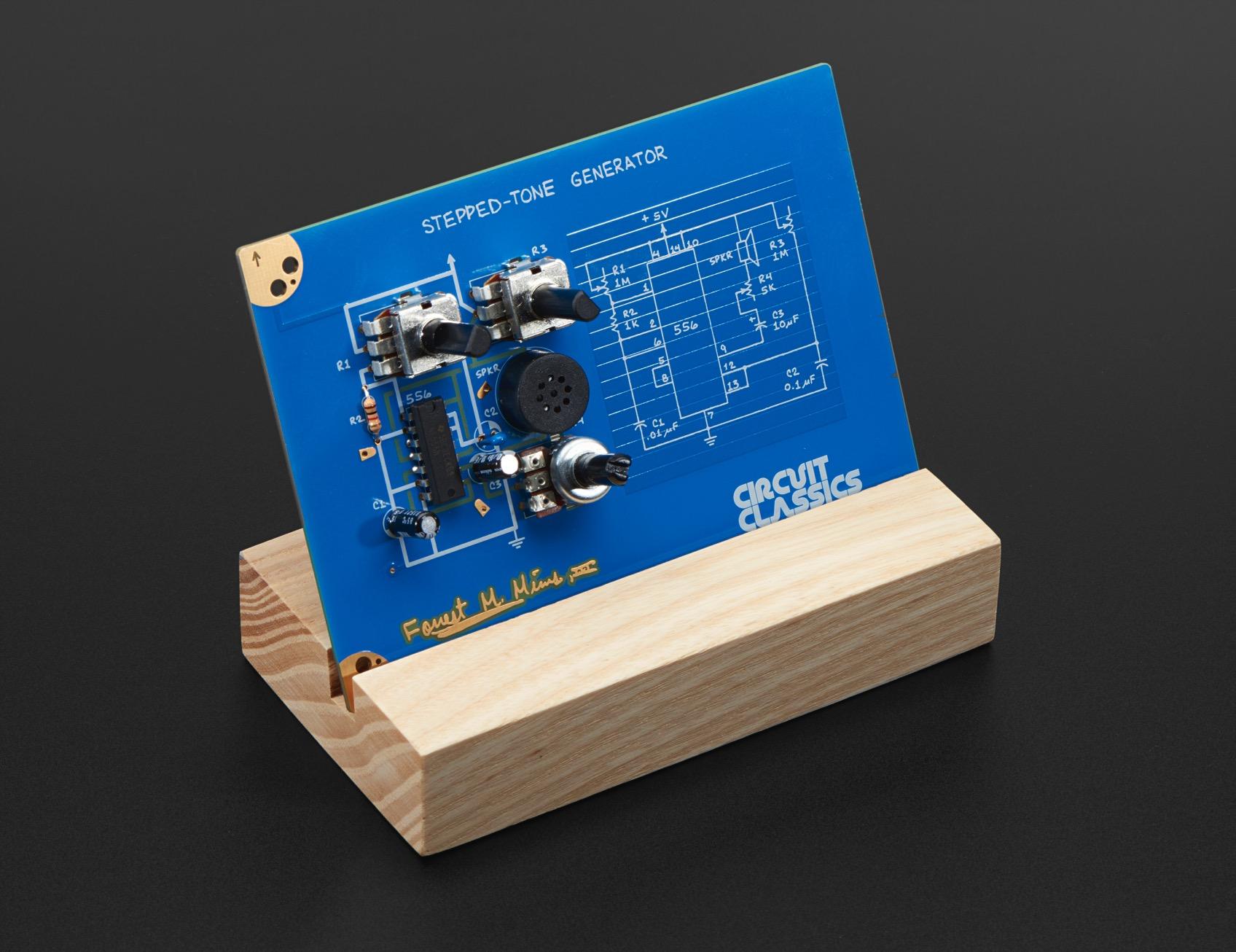 3459 wooden stand demo ORIG