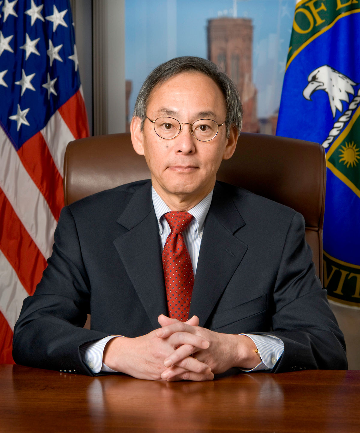 1200px Steven Chu official DOE portrait