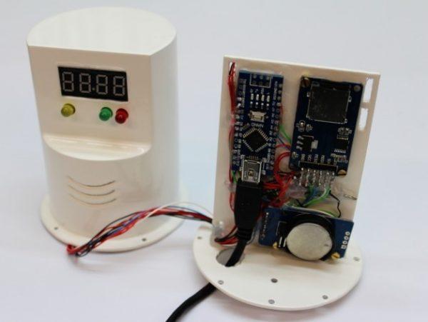 Arduino temperature logger with sd card dthursday