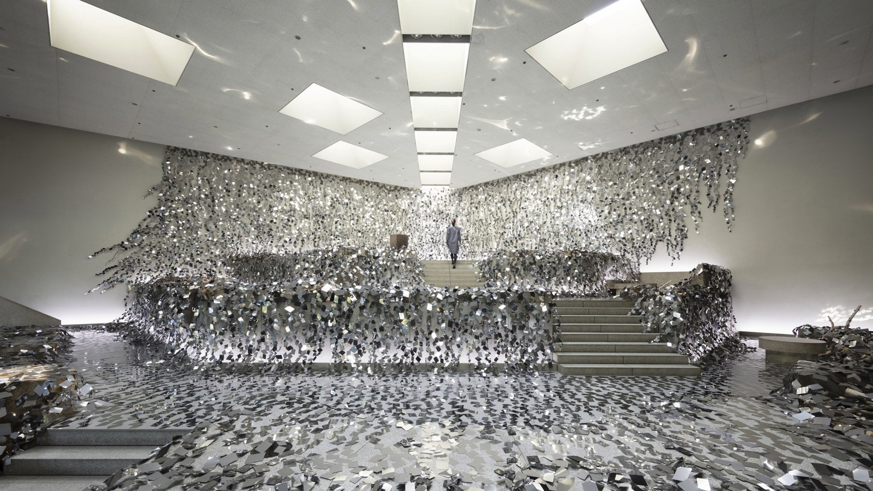 Kaleidoscopic ivy installation nendo design dezeen hero b