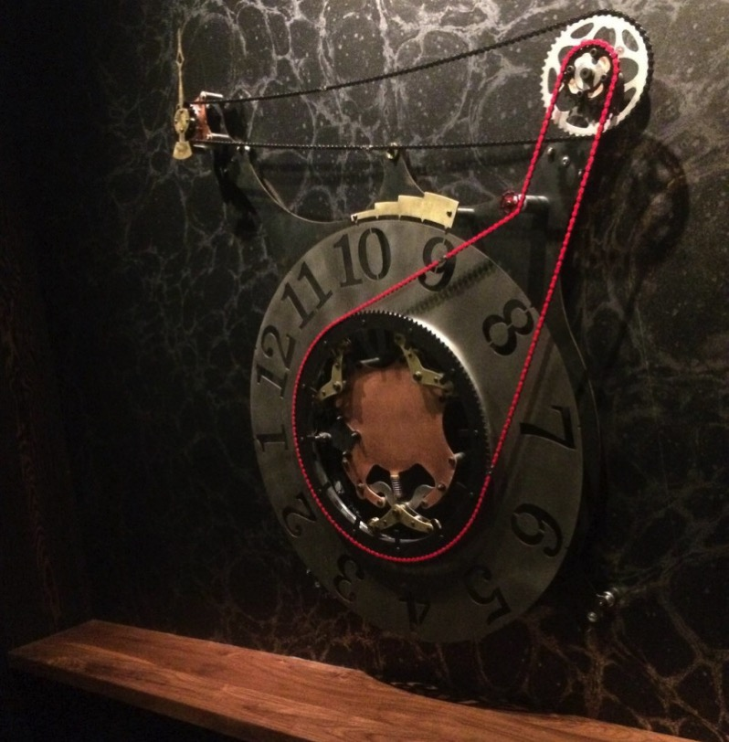 Electro mechanical clock