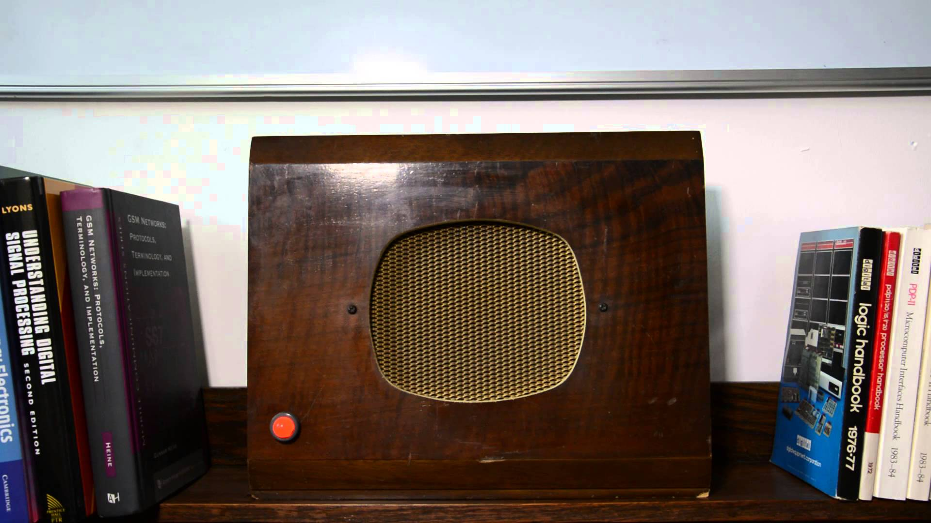 Raspberry Pi Powered BBC Radio 4 Appliance#piday #raspberrypi