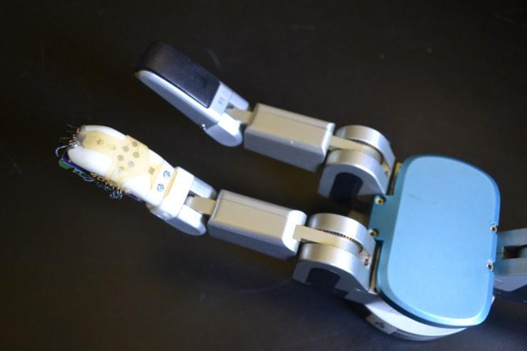 Robotic skin uw 1