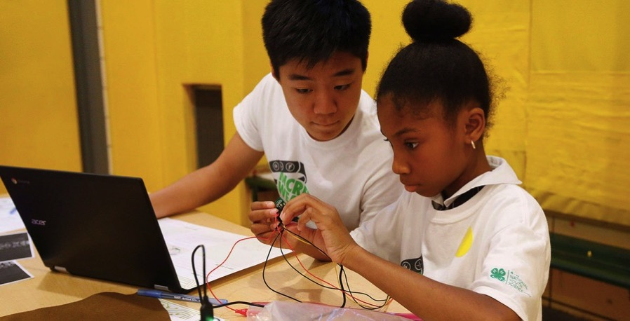 Kids create fitness trackers on 4 H National Youth Science Day Home And Family hpj com