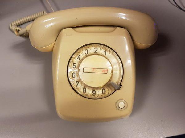 Turn a Vintage Rotary Phone into a Jukebox! @Raspberry_Pi