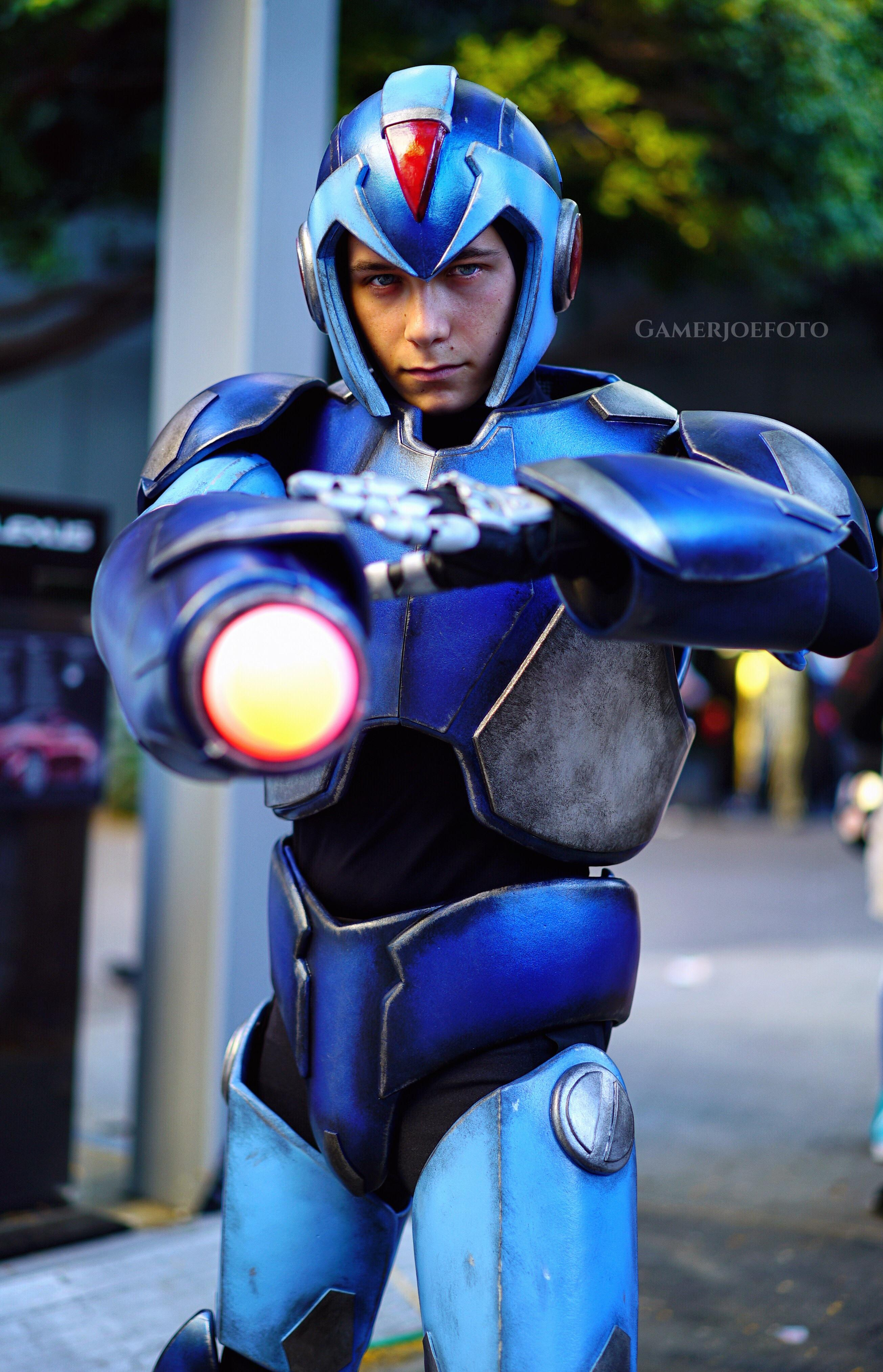 Mega Man X Cosplay Knows It's Time to Get Serious ...