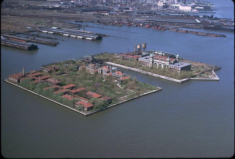 1280px Ellis island air photo