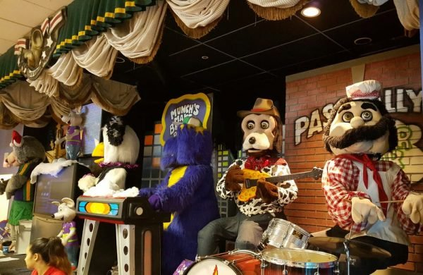 Chuck E. Cheese's Band Picture