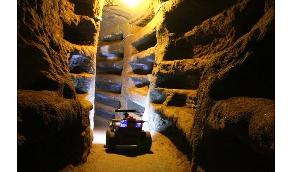 robot-archaeologist