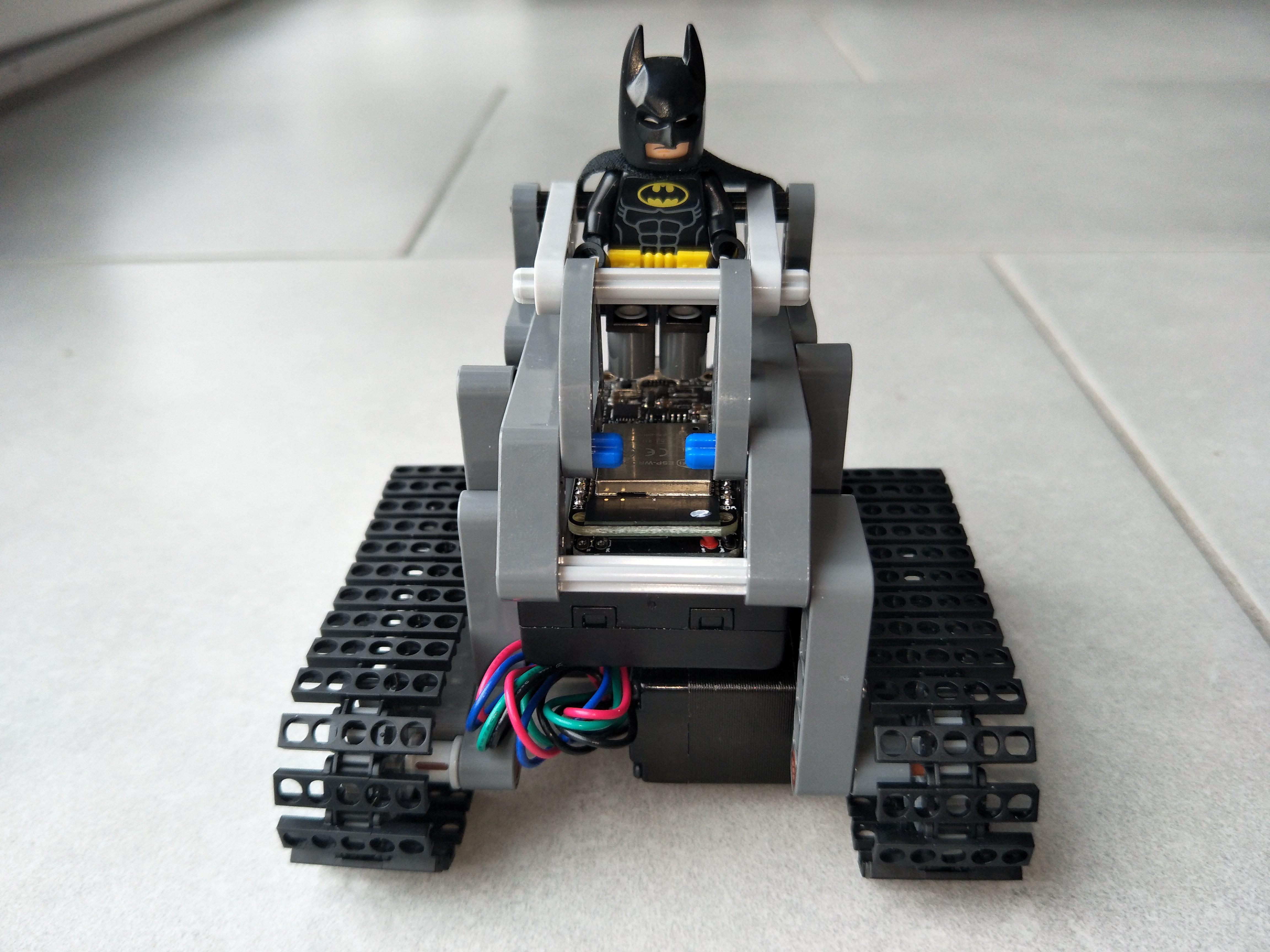 LEGO Technic Mini Tank with ESP32 & 2x NEMA 8 Stepper Motors