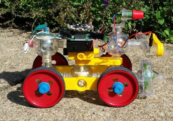 Capsela Bot