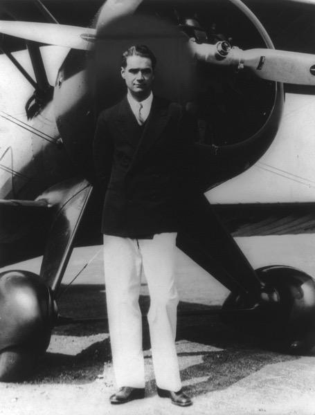 800px Howard Hughes