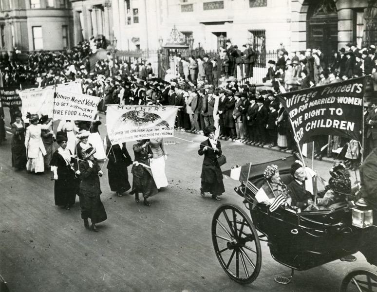 36220 SuffragetteMothersMarchNY