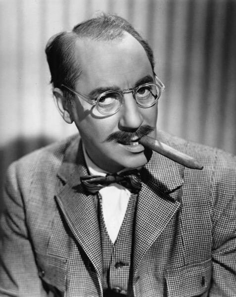 800px Groucho Marx portrait