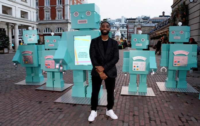 Tiffany Robot Crew to tour London during the festive season 696x441