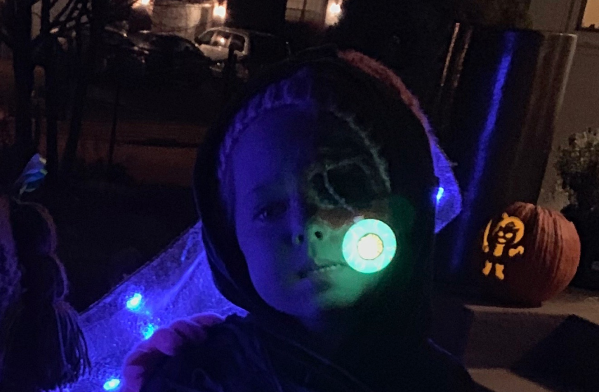 zombie costume with a UV-LED eyeball