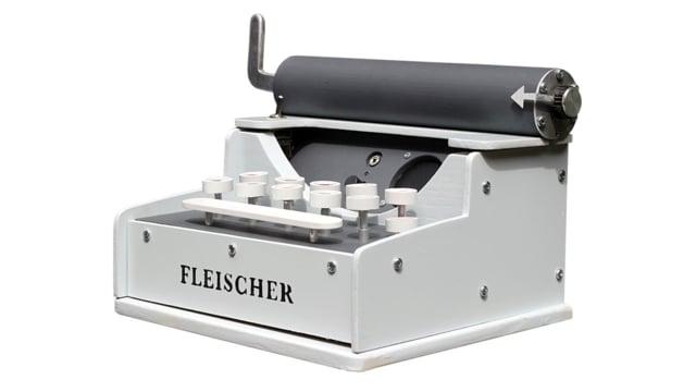 Retro Sound Effects Typewriter Uses a Raspberry Pi #piday
