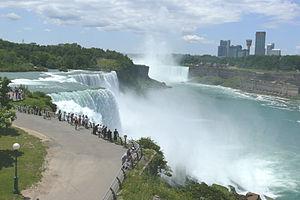300px Niagara Falls 2009